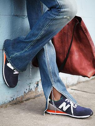 รองเท้า New Balance สีม่วงเข้ม พื้นส้ม ส้นเทา ขอบเขียว