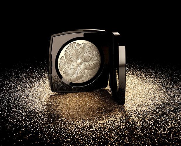 Chanel CRÉATION EXCLUSIVE Camélia de Plumes