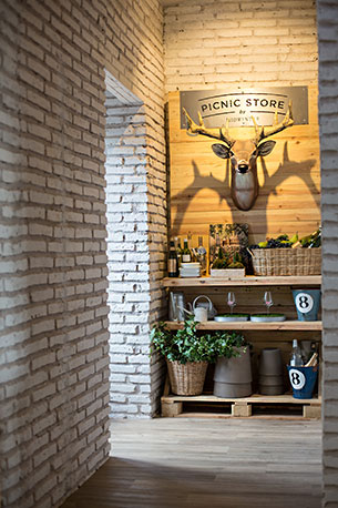 Picnic Store ร้านขายสินค้า