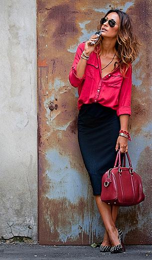 กระโปรงทรงดินสอ สีดำ Asos เสื้อเชิ้ต สีแดง Zara รองเท้า Christian Louboutin กระเป๋า Nucelle แว่นตากันแดด Ray Ban