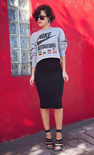 กระโปรงทรงดินสอ สีดำ Topshop สเว็ตเตอร์ Nike รองเท้า Balenciaga แว่นตากันแดด Ray Ban