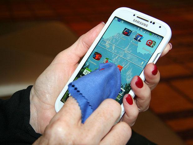 ของใช้ที่ควรทำความสะอาดบ่อยๆ โทรศัพท์มือถือ