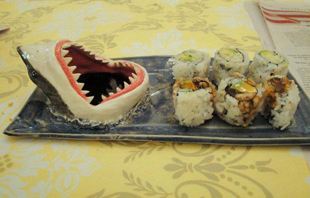 จานสำหรับใส่ซูชิรูปปลาฉลาม