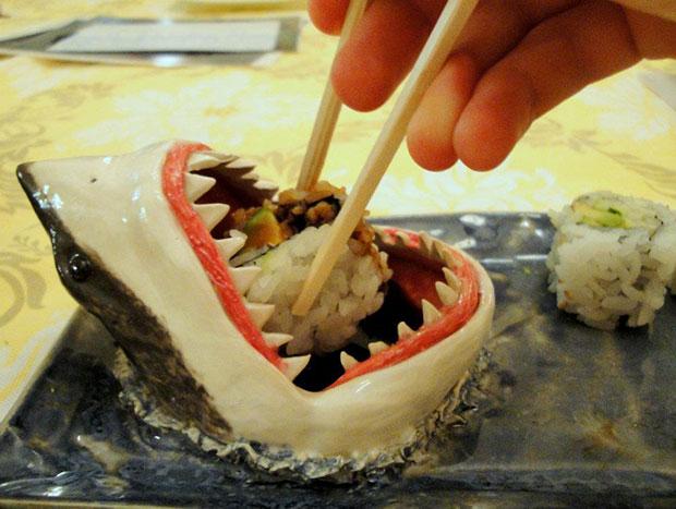 จานใส่ซูชิรูปปลาฉลาม