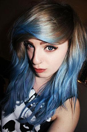 ชอล์คเปลี่ยนสีผม ผมสีน้ำเงิน