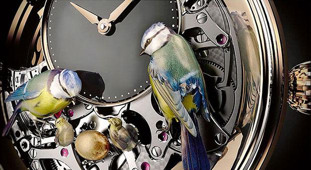 นาฬิกาแกะสลักรูปนก