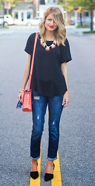 สร้อยเส้นใหญ่ 5th and Elm เสื้อ Rebecca Taylor กางเกงยีนส์ Gap รองเท้าส้นสูง Zara กระเป๋า Cynthia Rowley แว่นตากันแดด Ray Ban