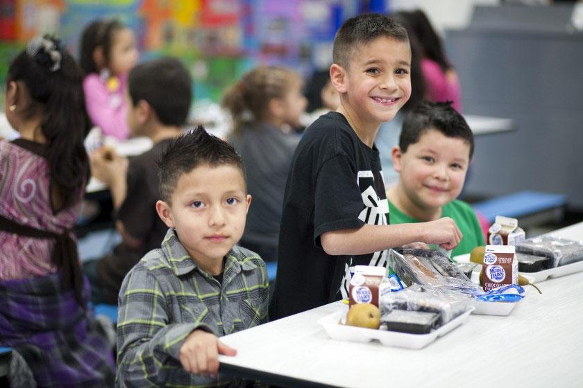 องค์กรบริจาคอาหารเพื่อการกุศล Feeding America