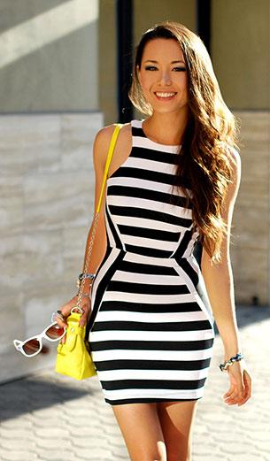 เดรสลายขวาง ขาวดำ Clothes Envy รองเท้าส้นสูง Choies กระเป๋า Forever 21 แว่นตากันแดด Target