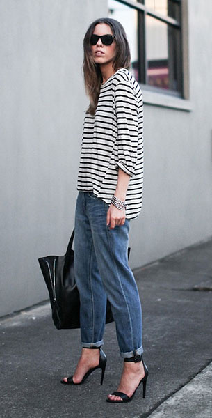 เสื้อลายขวาง ขาวดำ Bassike กางเกงยีนส์ Madewell รองเท้าส้นสูง Tibi แว่นตากันแดด Ray Ban สร้อยข้อมือ Najo