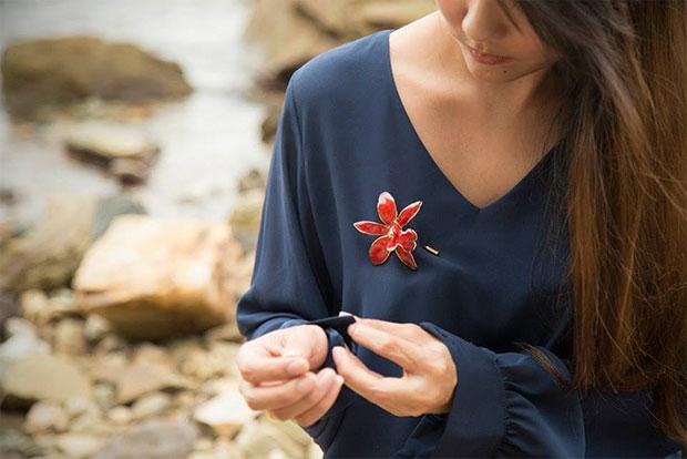 Sarita เครื่องประดับที่ทำจากดอกไม้จริง