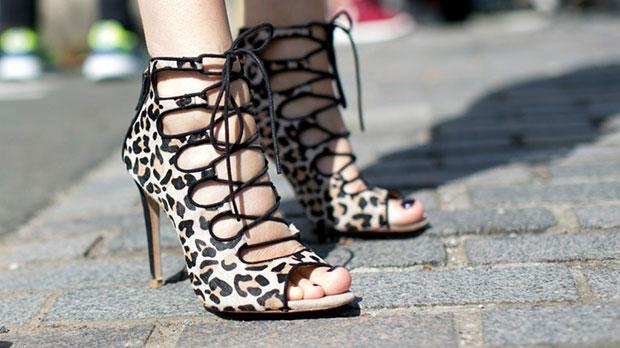 ผู้ชายจะสุภาพกับผู้หญิงใส่รองเท้าส้นสูง