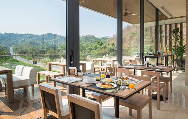 ห้องอาหาร Green Oak Bistro Escape Khao Yai