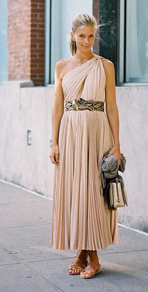 เดรสยาวเปิดไหล่ข้างเดียว สีนู้ด New York Fashion Week Spring Summer 2013 Meredith Melling Burke