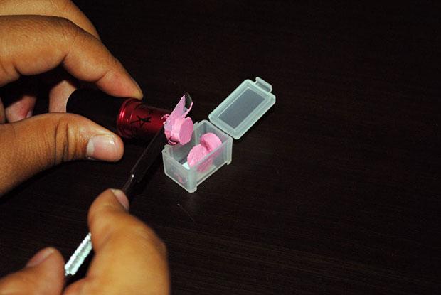 เปลี่ยนตลับใส่ยาให้กลายเป็นพาเลทลิปสติก