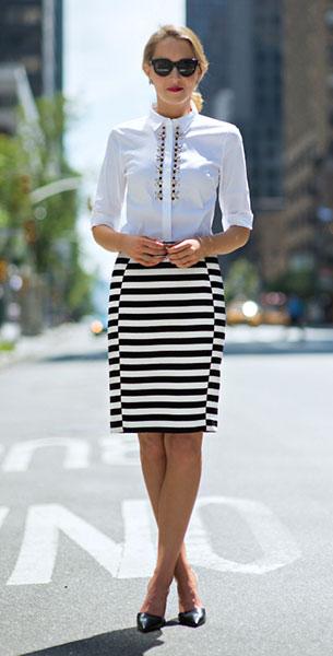 เสื้อเชิ้ตสีขาว Ann Taylor กระโปรงลายขวางขาวดำ Ann Taylor รองเท้า Ivanka Trump
