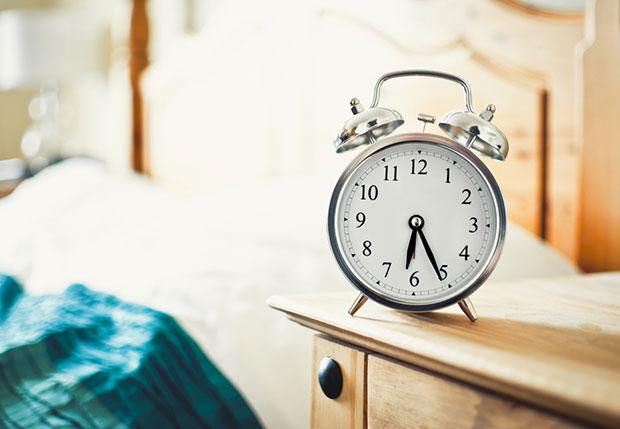 โยคะยามเช้าบนเตียง