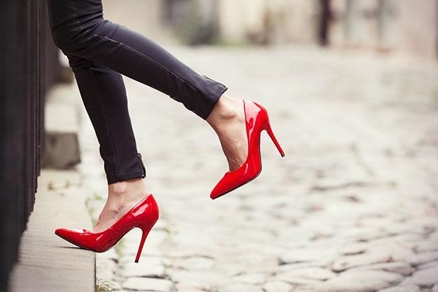 ใส่รองเท้าส้นสูงทำให้หนุ่มๆสุภาพกับคุณมากขึ้น