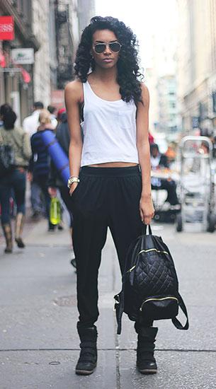 Jogging Pants สีดำ เสื้อกล้ามสีขาว ผมหยิก