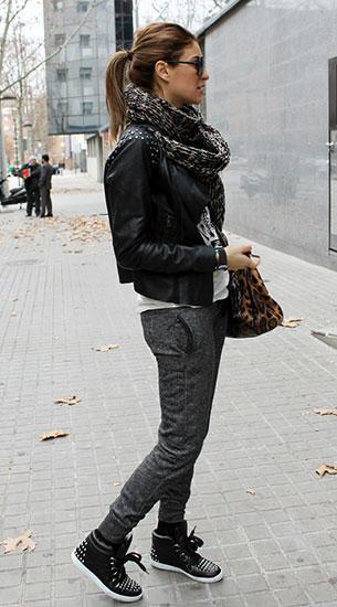 Jogging Pants สีเทาเข้ม Boutique Francia เสื้อขาว Zara แจ๊คเก็ตหนัง Zara รองเท้า Sandro กระเป๋า Dolce & Gabbana