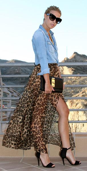 กระโปรงลายเสือดาว Lush, เสื้อเชิ้นยีนส์ Mango, รองเท้าส้นสูง Zara, กระเป๋า Vince Camuto, แว่นตากันแดด Vintage