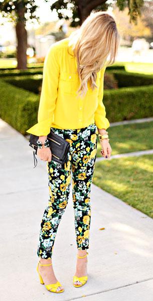 กางเกงลายดอกไม้ สีดำดอกเหลือง Asos, เสื้อเชิ้ตสีเหลือง J. Crew, รองเท้าสีเหลือง Kate Spade, กระเป๋า Louis Vuitton