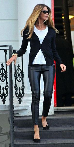 กางเกงหนัง เสื้อขาว สเว็ตเตอร์ดำ Elle MacPherson