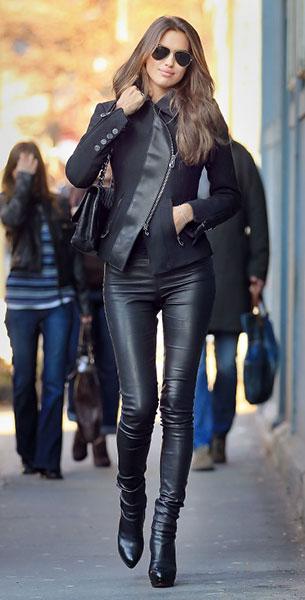 กางเกงหนัง เสื้อสูทดำ Irina Sheik