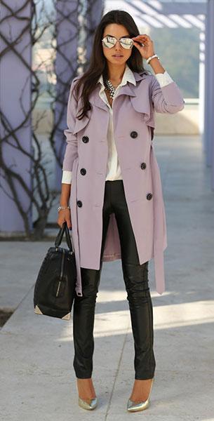 กางเกงหนัง BCBG Max เสื้อโค้ทสีม่วง Nasty Gal รองเท้า Alice + Olivia Odell กระเป๋า Alexander Wang แว่นตากันแดด ZeroUV