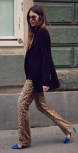 กางเกง  Leopard Burggasse 24, เสื้อคลุมสีดำ Burggasse 24