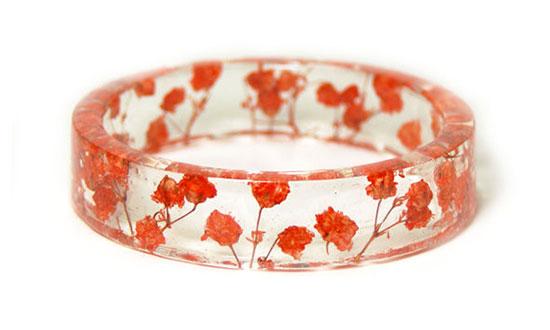 กำลไลเรซินดอกไม้แห้งสีแดง