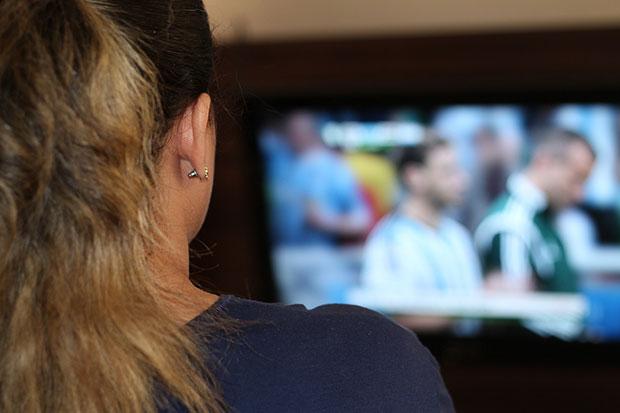 กิจกรรมสำหรับเดทแรก ดูโทรทัศน์