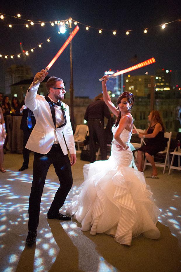 ดาบเลเซอร์ในงานแต่งงานธีมสตาร์วอร์ส