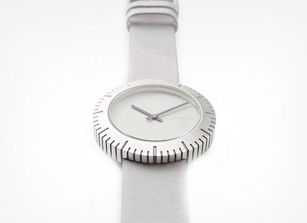 นาฬิกาสไตล์มินิมอล สีขาว