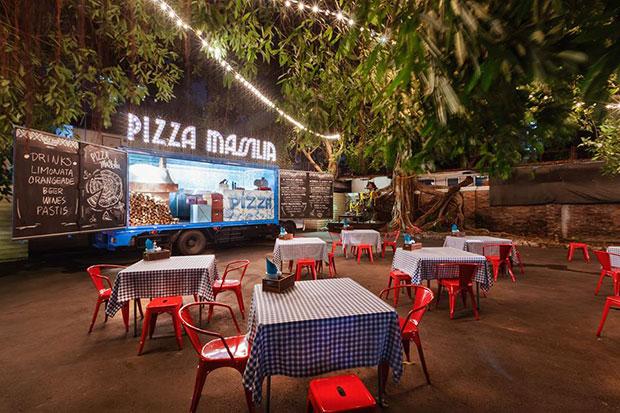 ร้านพิซซ่าบนรถบรรทุก Pizza Massilia