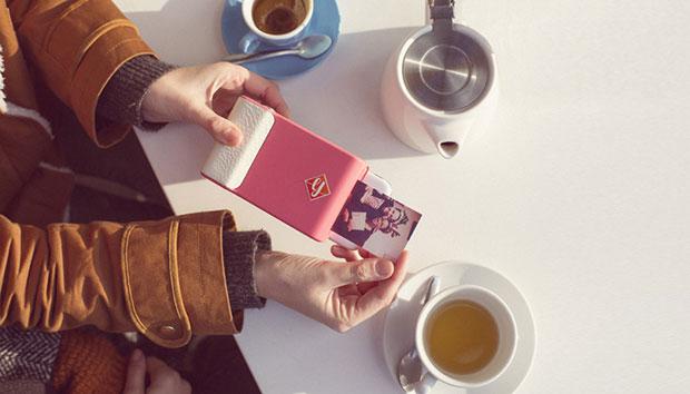 เคสโทรศัพท์มือถือที่เป็นกล้องโพลารอยด์