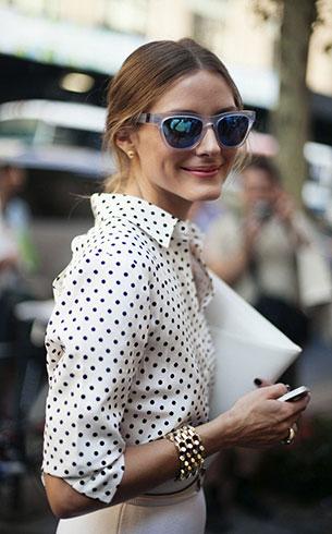เสื้อ Polka Dot สีขาวจุดดำ, กระโปรงสีขาว Olivia Palermo