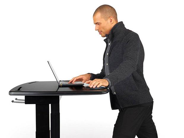 โต๊ะทำงานที่สามารถปรับขึ้นลงได้ตามต้องการ