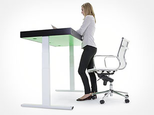 โต๊ะทำงานปรับขึ้นลงสำหรับนั่งหรือยืนได้