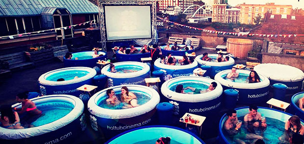 โรงหนัง Hot Tub Cinema