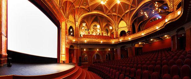 โรงหนัง Urania National Film Theater