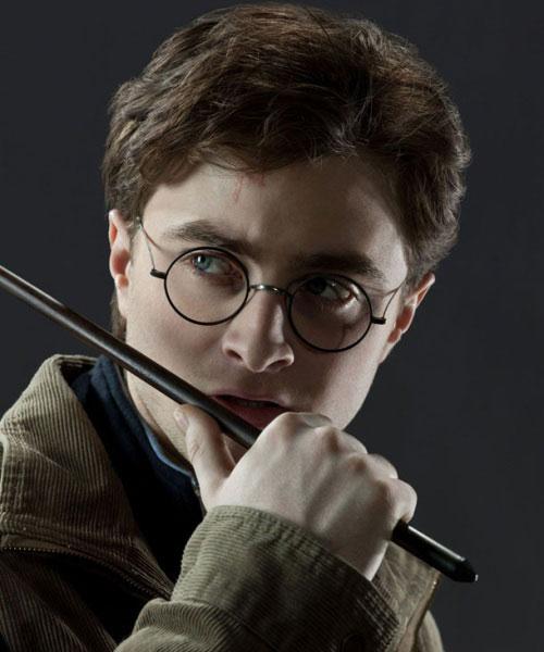 ในการถ่ายทำแฮร์รี่ พอตเตอร์ Daniel Radcliffe ทำไม้วิเศษหักมากกว่า 80 แท่ง