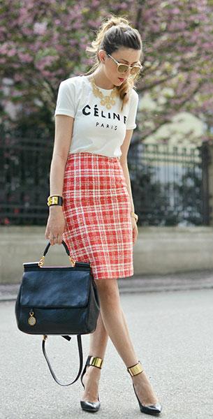 กระโปรงลายสก็อต สีพีช Ferrè, เสื้อยืดสีขาว Sheinside, รองเท้า Guess by Marciano, กระเป๋า Dolce & Gabbana, แว่นตากันแดด Romwe