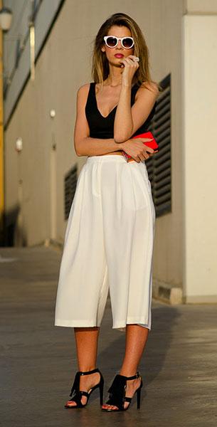 กางเกง Culottes สีขาว Topshop, เสื้อครอปแขนกุด Zara, รองเท้า UTERQÜE, กระเป๋า Zara, แว่นตากันแดด Zara