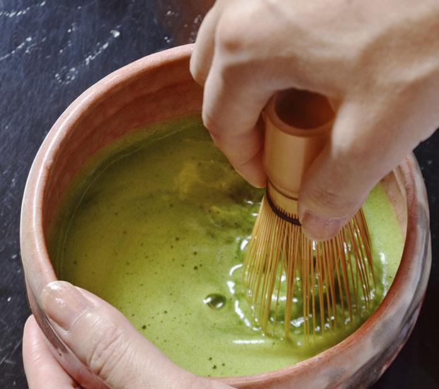 ชาเขียวมัทฉะกับมาส์กตะไคร้
