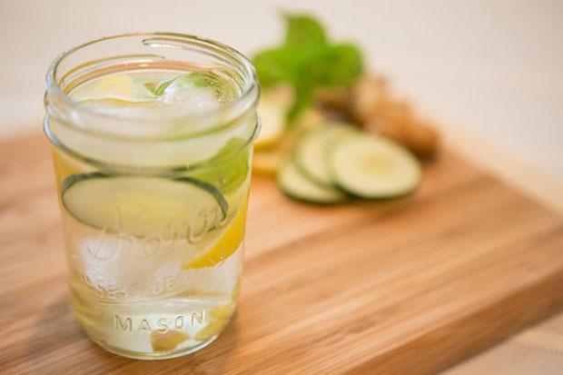 น้ำหมักผลไม้ตระกูลซิตรัสกับมินท์ ช่วยบรรเทาอาการท้องอืด