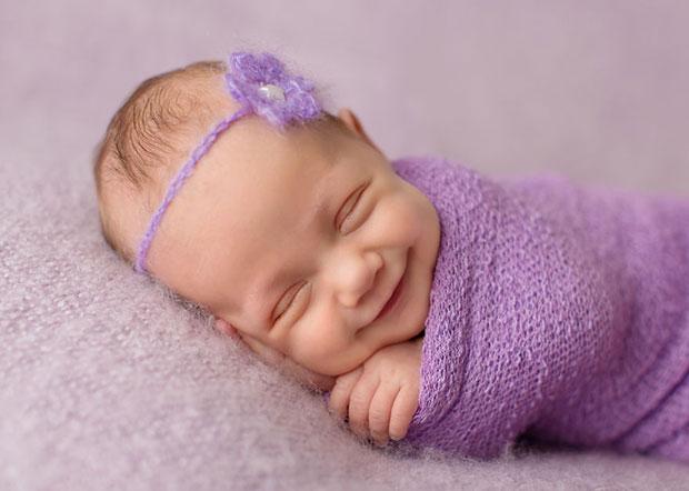 ภาพเด็กทารกยิ้ม