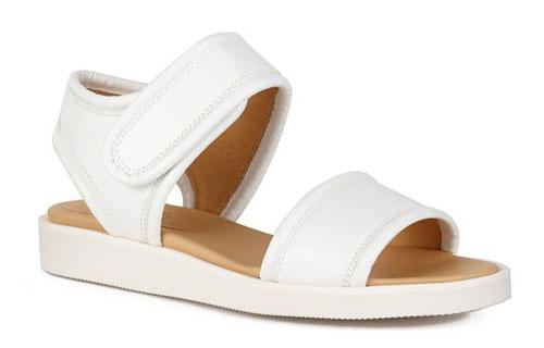 รองเท้าสีขาว MM6 Maison Martin Margiela
