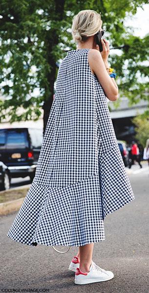 รองเท้าอาดิดาส สีขาวขอบส้นสีแดง Stan Smith, เดรสลายสีขาวดำ, New York Fashion Week