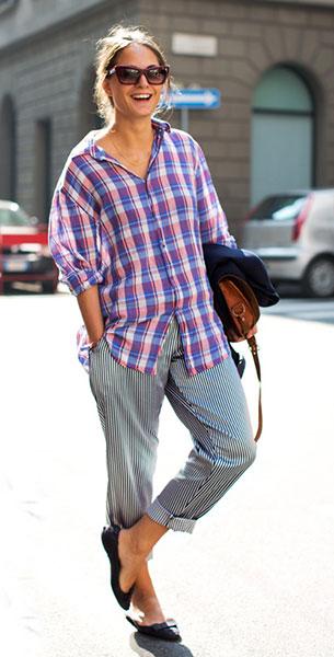 เสื้อเชิ้ตลายสก็อต สีน้ำเงินสีชมพู, กางเกงลายตั้ง สีขาวดำ
